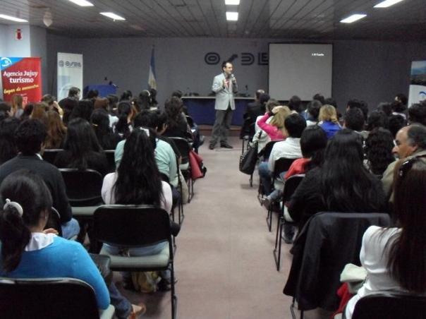 Dictamos programas de capacitación en desarrollo de modelos sustentables para la Ciudad de San Salvador de Jujuy, el Consejo Federal de Inversiones, la Dirección de Turismo de Valle Hermoso (Córdoba), y la Agencia Córdoba Turismo