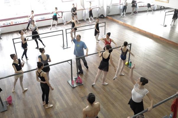 Master Class de Mario Galizzi en Ballet Estudio (Buenos Aires), con becas para el Retiro de Danza Clásica en El Castillo