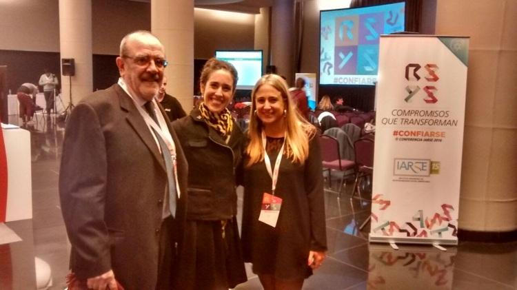 Francisco y Adriana Fábrega, y Laura Massari