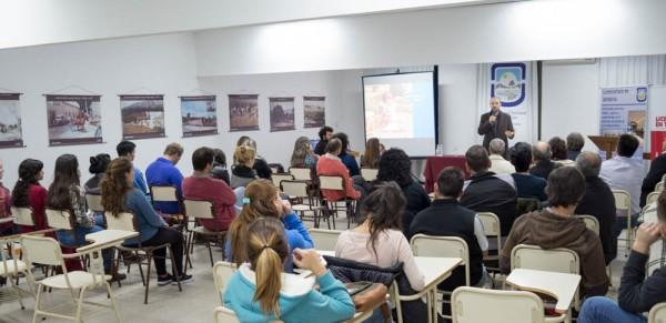 Alumnos y docentes de la FTU-UNSL